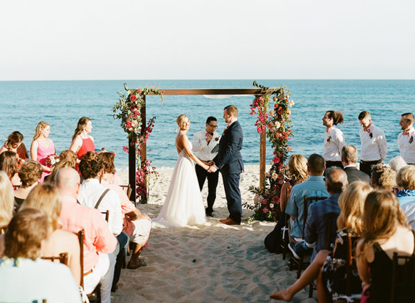 summer-destination-wedding-in-mexico-with-bright-pinks-30-600x439.jpg